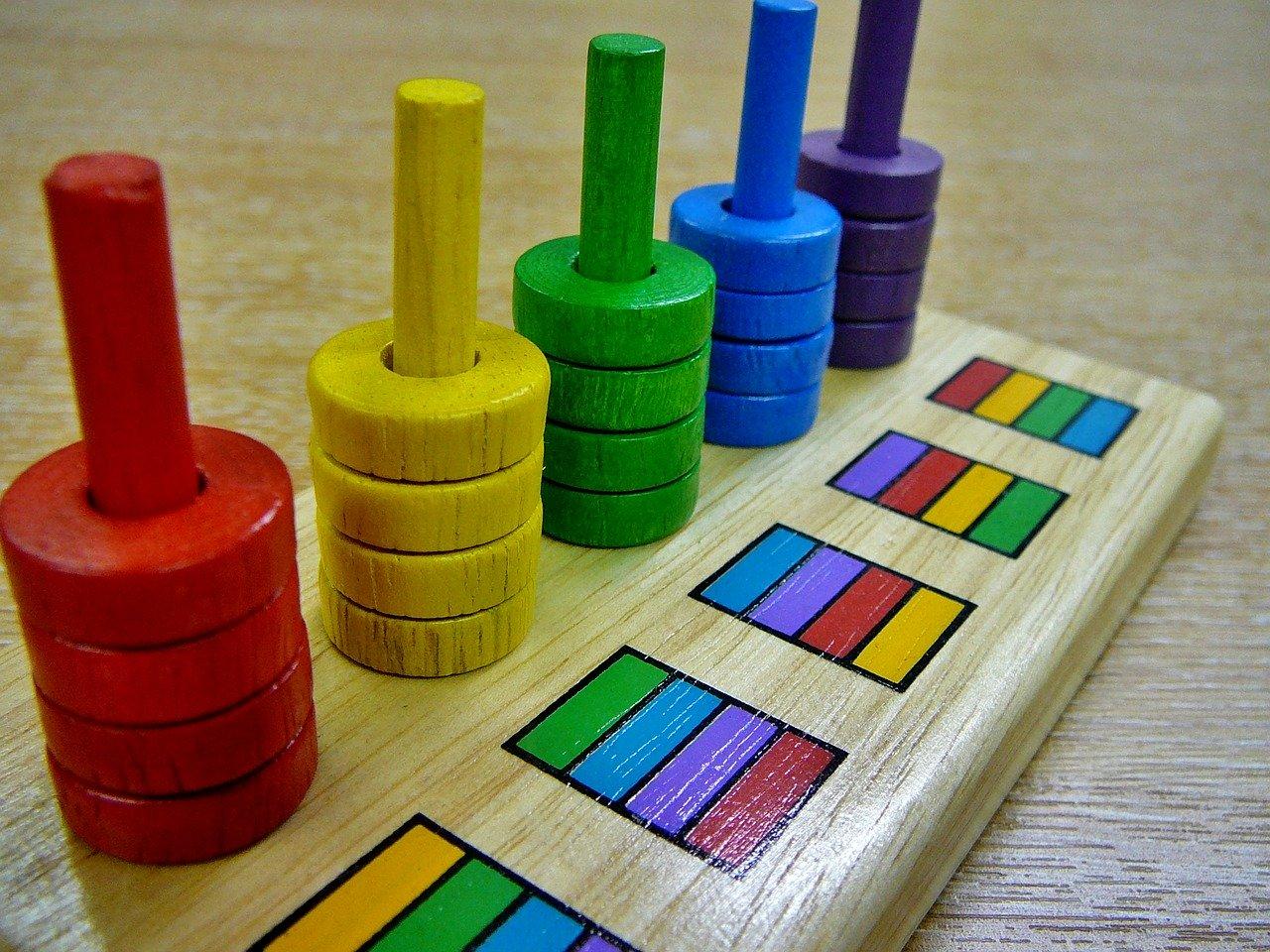 色や数がきっちりわけられている玩具